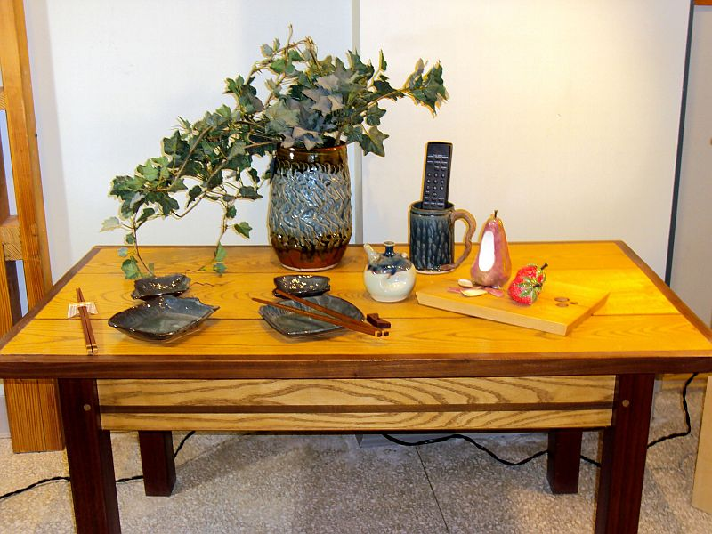 coffee table decor for an informal setting