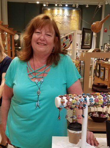 Linda Bellino - Lampwork Beads - Handcrafted Lampwork Beads